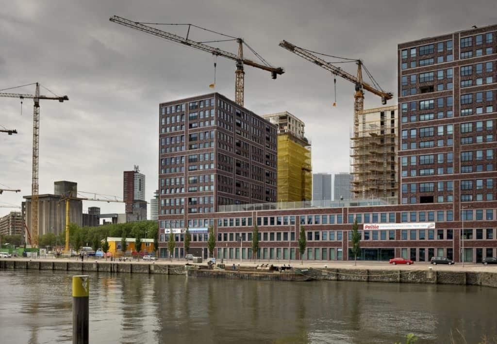 Cobana Katendrecht in aanbouw. Foto Rijnboutt