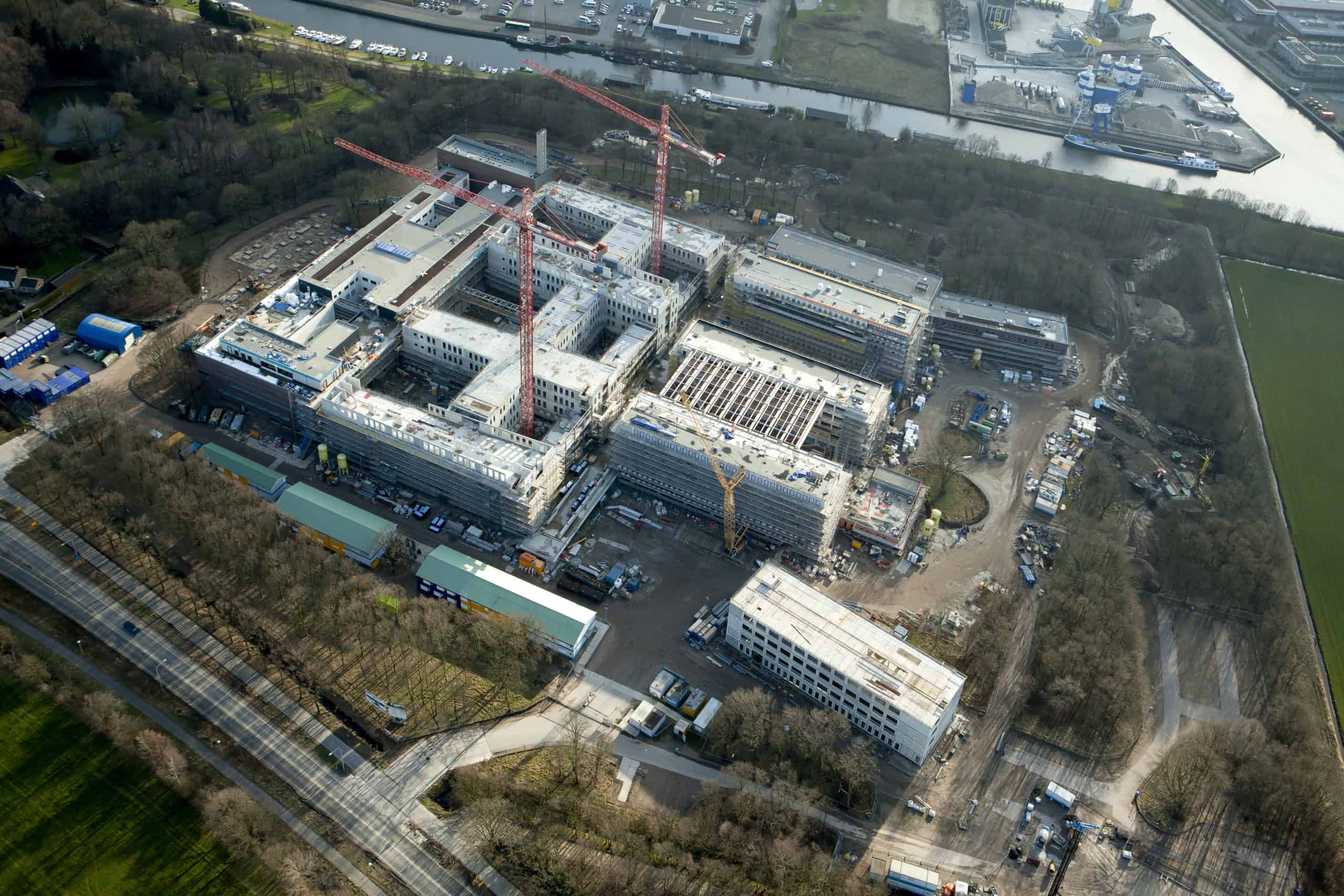 Luchtfoto-4-Meander-Ziekenhuis-©-Ballast-Nedam-1-scaled