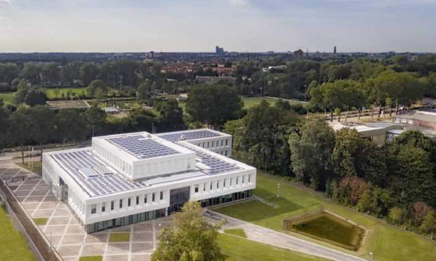 Luchtfoto-Enexis-Zwolle-gebouw