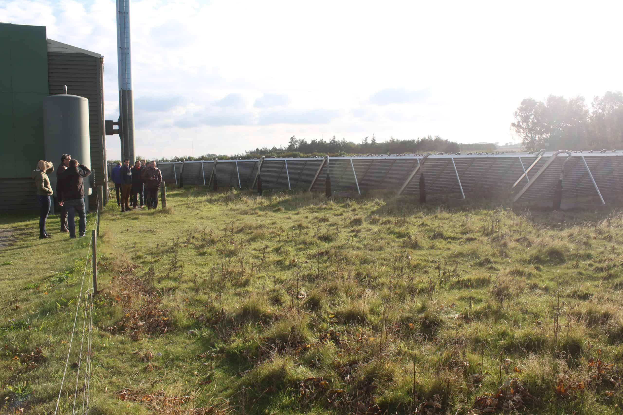 Samsø bezoek zonthermische centrale met snipperhoutketel