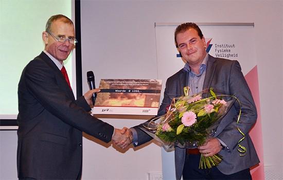 Thijs-Geertsema-ontvangt-scriptieprijs