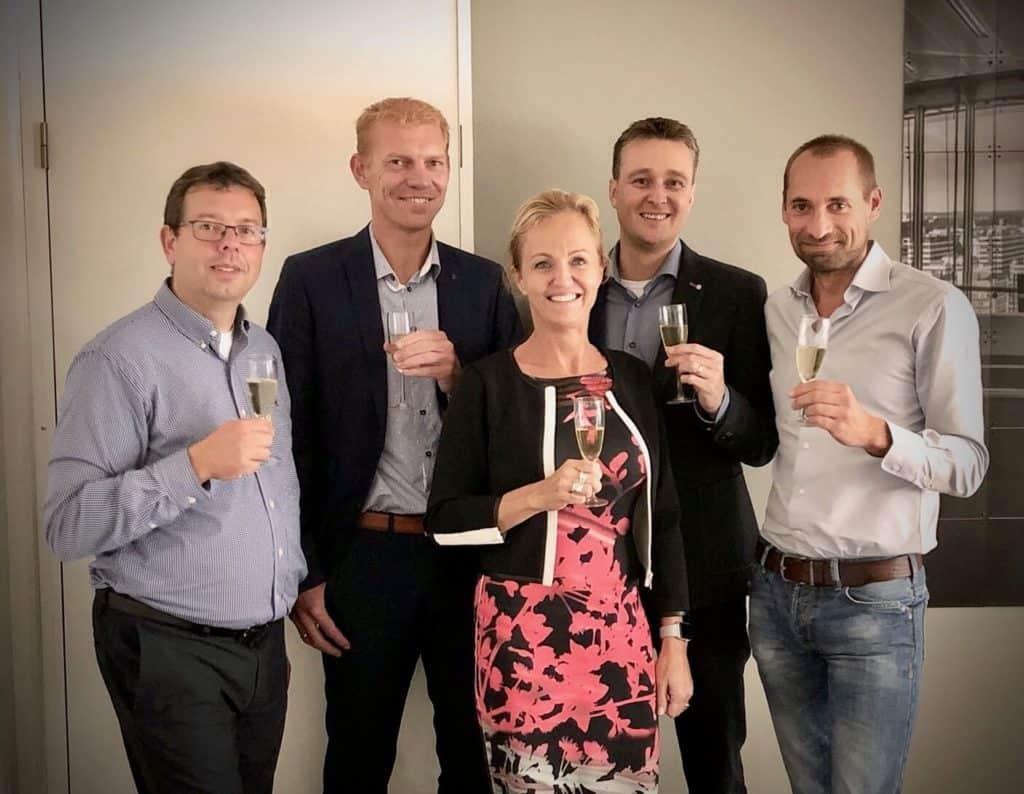 v.l.n.r. Marc van Bommel, Henk Koekoek, Judith Dessing, Sander van der Tol en Lennard Duijvestijn (voormalig directeur Het geluidBuro)