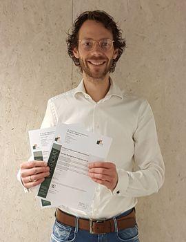 André Kruithof met de BRL9500 certificaten, december 2020