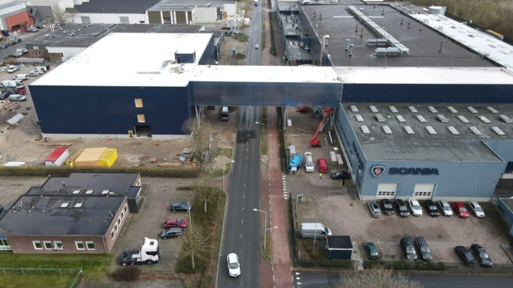 Nieuwbouw Scania paintshop en luchtbrug Meppel